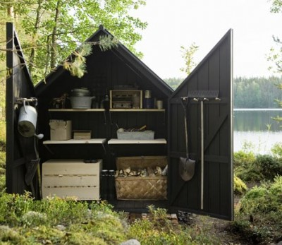 dezeen_Garden-Shed-by-Ville-Hara-and-Linda-Bergroth-04.jpg