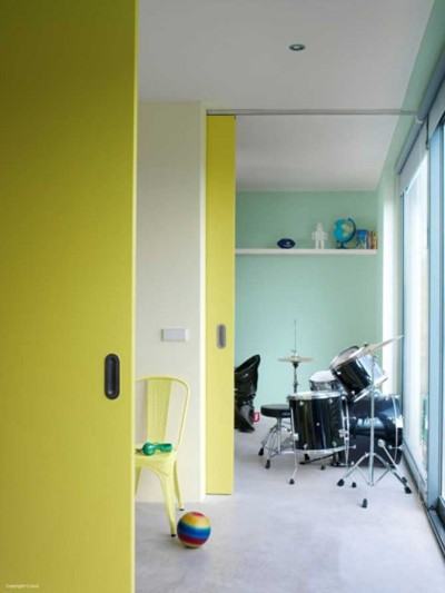 Futuristic-Interior-Design-Ideas-Colorful-Wall-Decor-Paints-Fluo-Fantasy-3.jpg